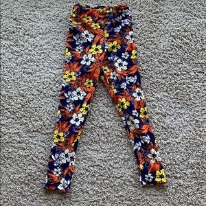 LuLaRoe flower power pattern leggings